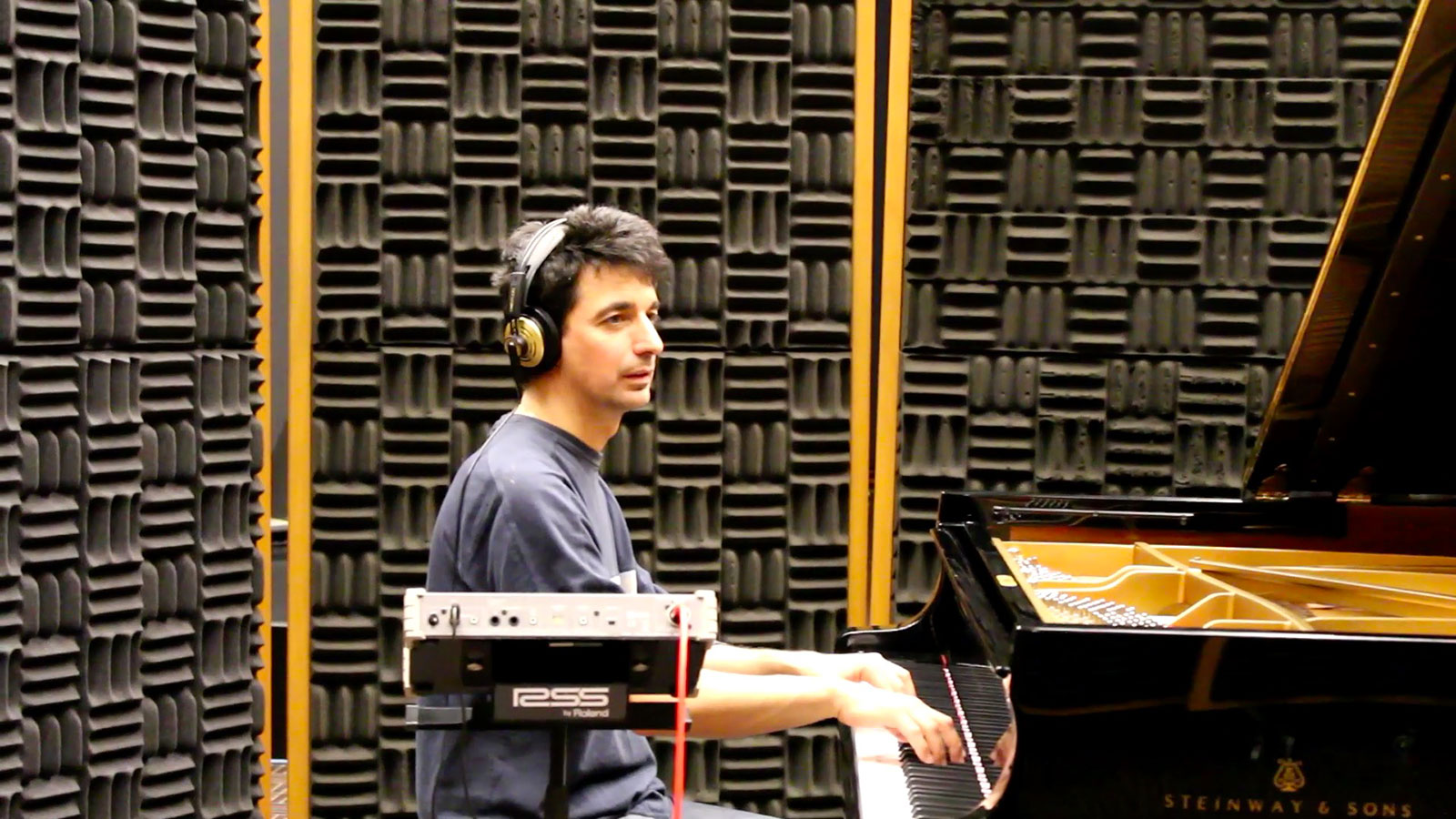 we-live-piano